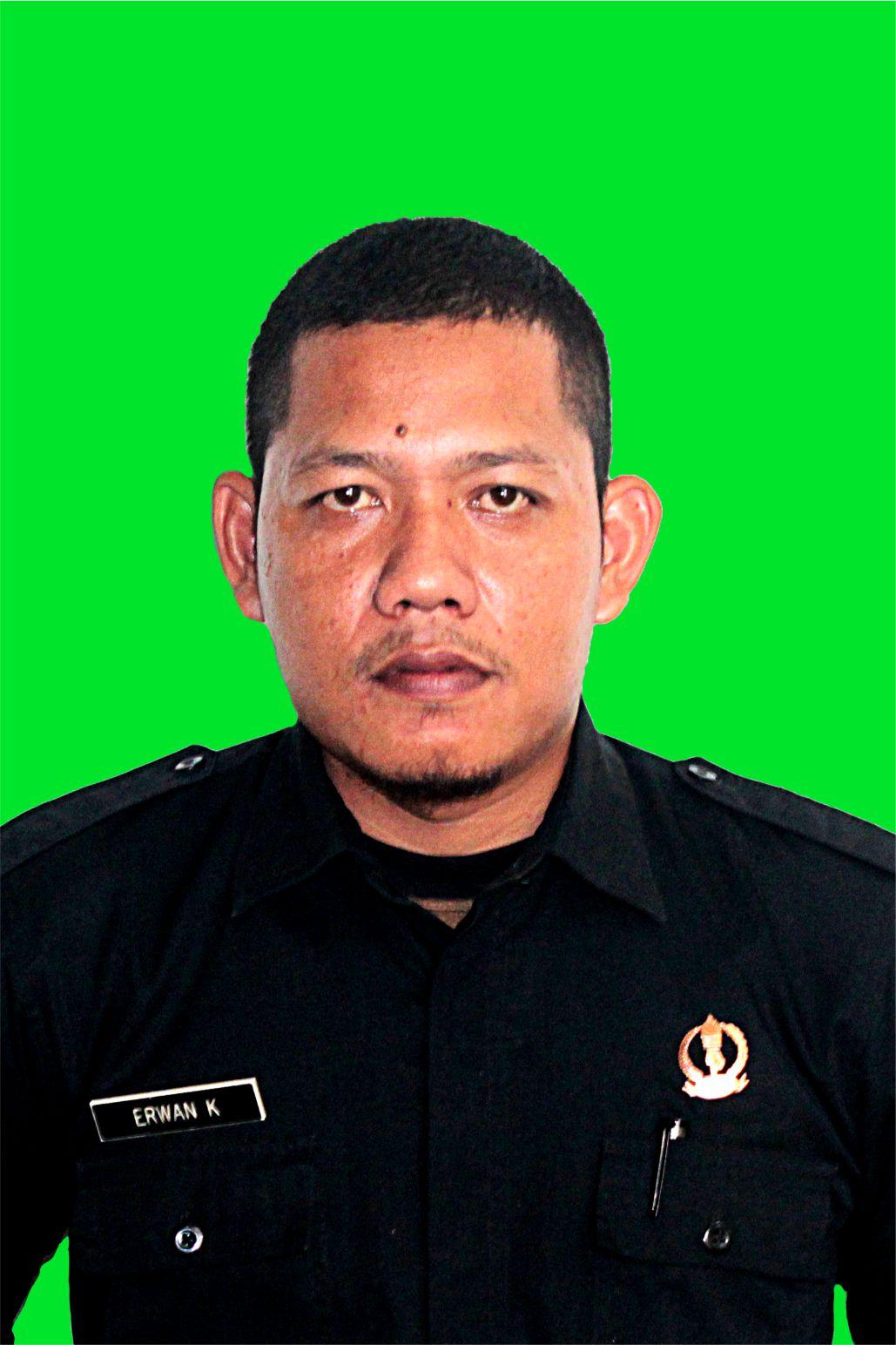 Staff Erwan Kurniawan SMK Taruna Harapan 1 Cipatat