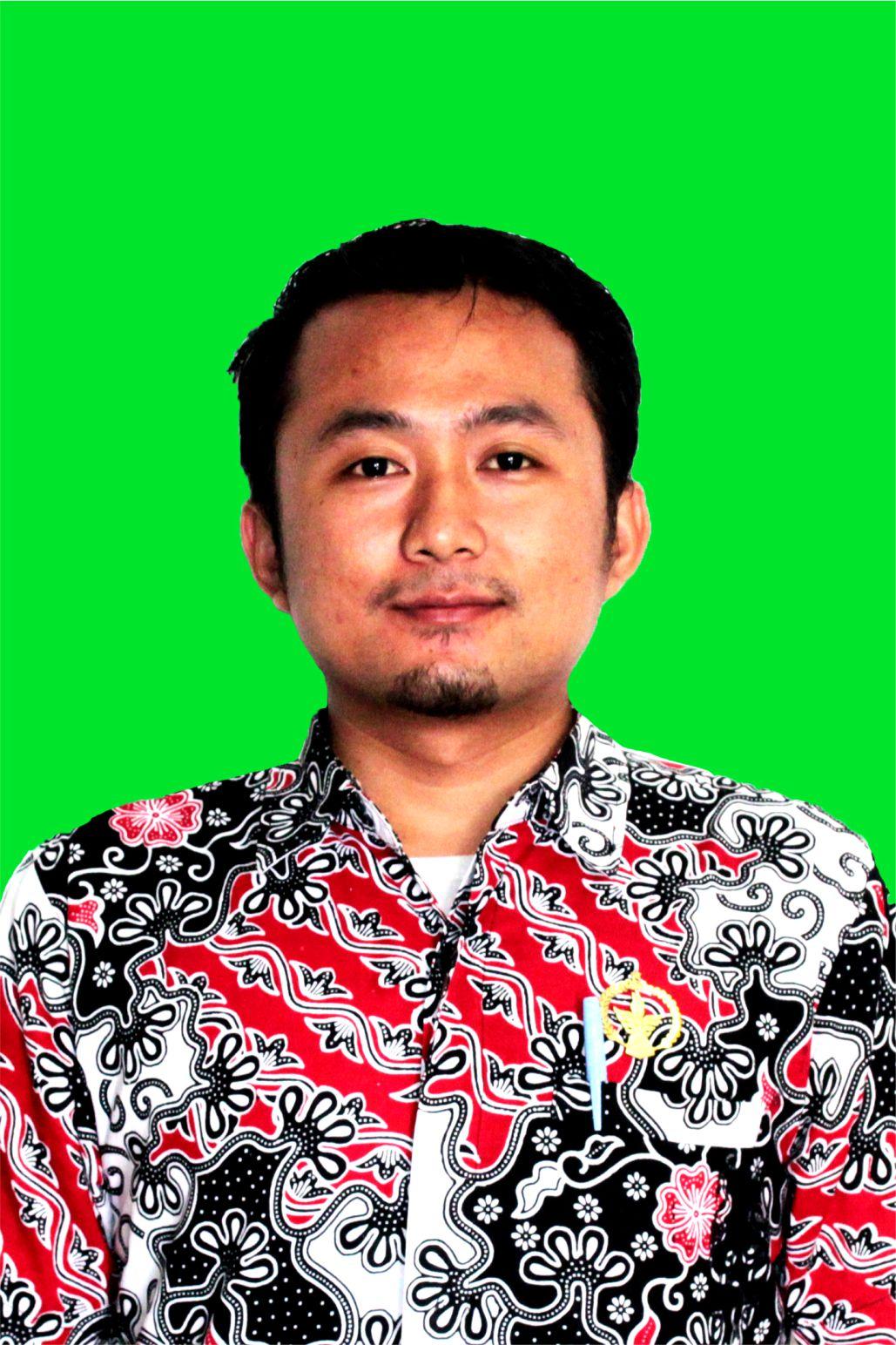 Staff Robi Sanusi, S.Pd SMK Taruna Harapan 1 Cipatat